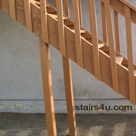 Example Of A Poor Stair Support